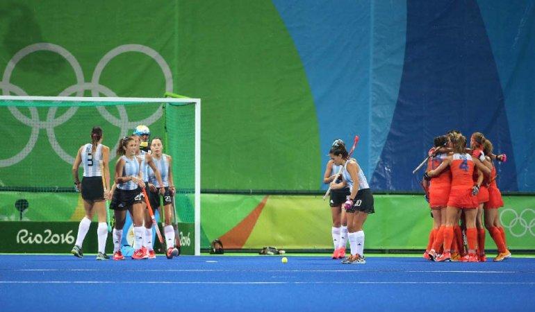 La selección argentina femenina de hóckey sobre césped no pudo llegar a las semifinales.