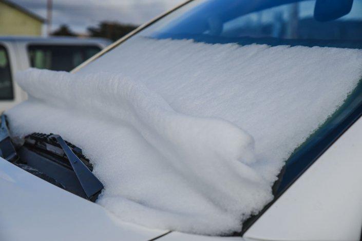 Una postal del invierno: Comodoro rodeada de nieve