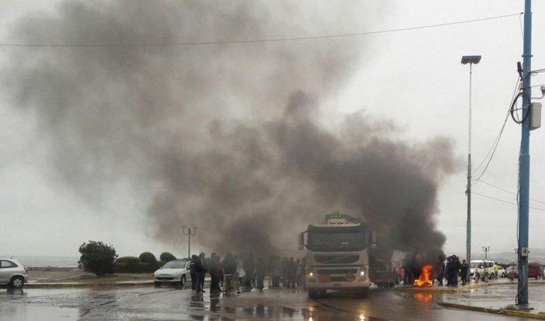 Corte parcial en Yrigoyen: trabajadores de la construcción reclaman por obras