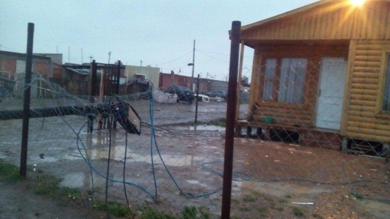 Derrumbe y caída de postes, las consecuencias del temporal