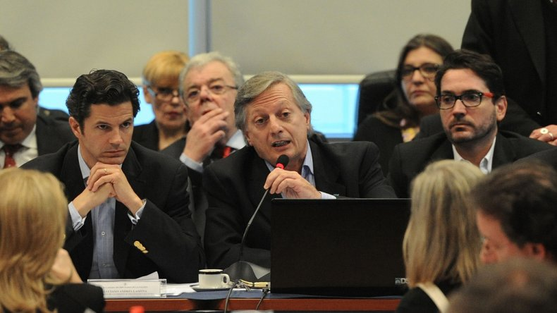 Aranguren intentó defender el tarifazo en Diputados.