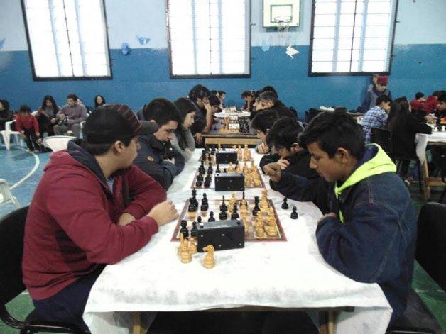 El deporte de estrategas tiene su punto de encuentro en el SUM de la escuela 172 este sábado desde las 14 con el 3° Interprovincial de Ajedrez.