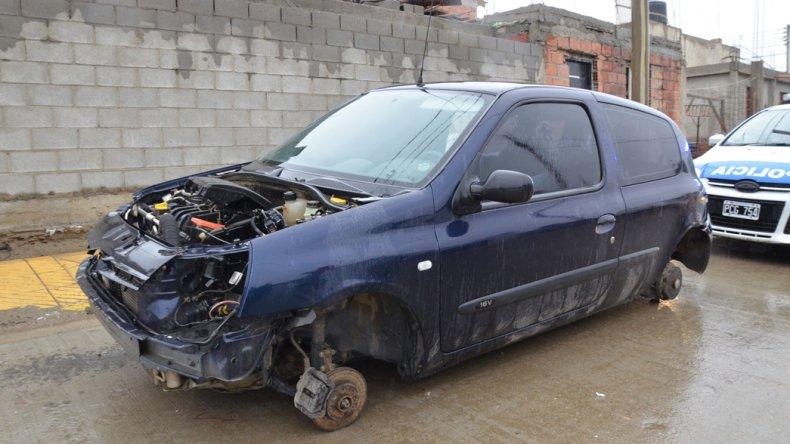 El Renault Clio fue robado en el Centro y encontrado desguazado en el Abel Amaya.