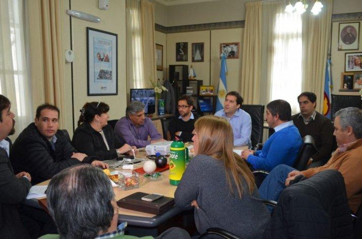 La reunión que organizó ayer el Ejecutivo municipal con diputados provinciales y concejales.