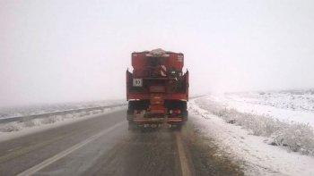 Rutas húmedas y con escarcha: circular con extrema precaución