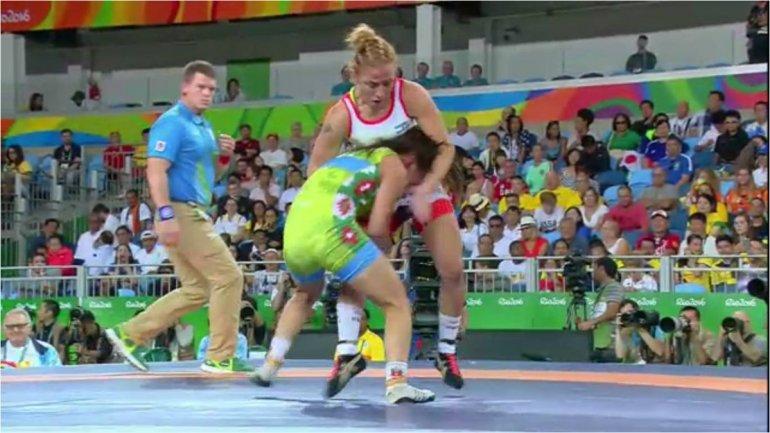 Patricia Bermúdez se quedó sin el bronce en lucha