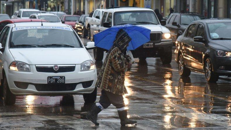 La lluvia bajó su intensidad pero el municipio está atento a cualquier demanda