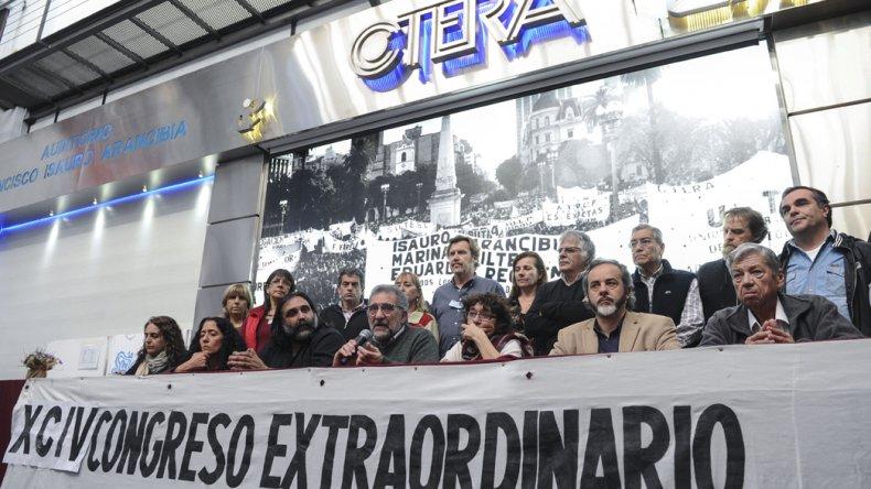 La Ctera confirmó paro nacional docente en demanda de recomposición salarial.