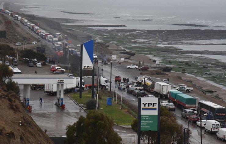 Municipales provocaron un bloqueo en la Ruta 3 durante ocho horas