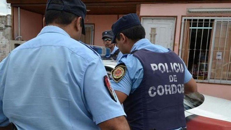 Comisario pata de lana es detenido por sus propios subordinados