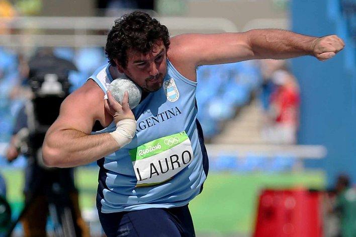 Germán Lauro durante la prueba clasificatoria de lanzamiento de bala.