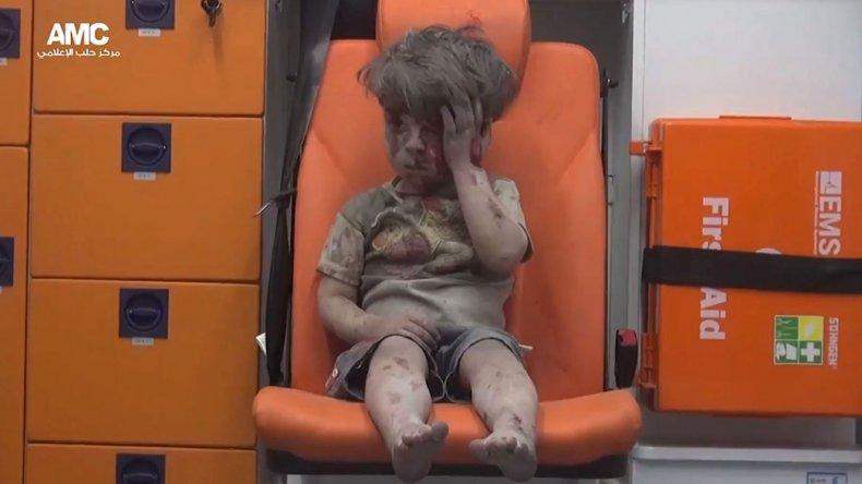 La imagen de un niño muestra el horror en Siria.