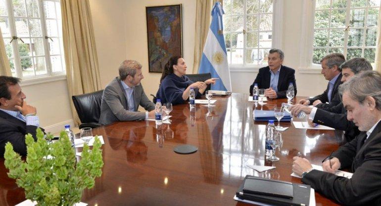 Macri reunió a parte de su Gabinete para analizar un complejo escenario.