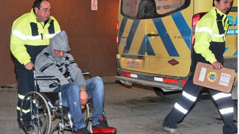 El fallido narcotraficante fue trasladado en ambulancia al servicio de urgencias del Hospital de Punta Arenas.
