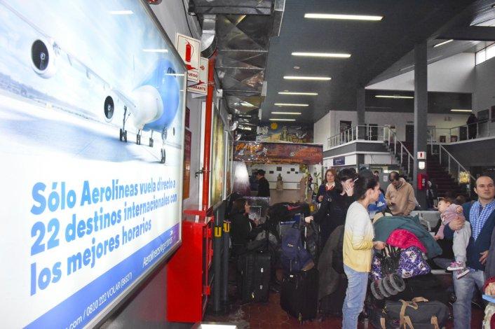 En el aeropuerto ahora corren peligro 20 puestos laborales del sector Salud.