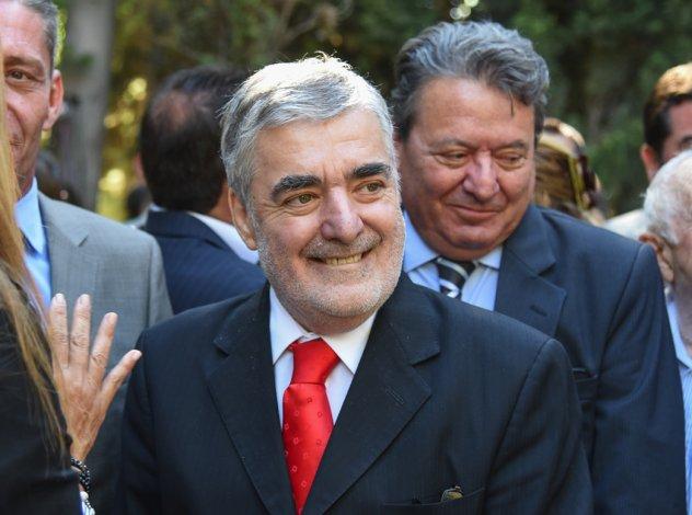 Mario Das Neves reasume hoy como gobernador de Chubut.