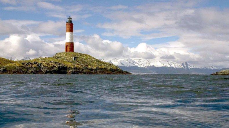 Es recomendable sumergirse en las frías aguas de Ushuaia durante el invierno