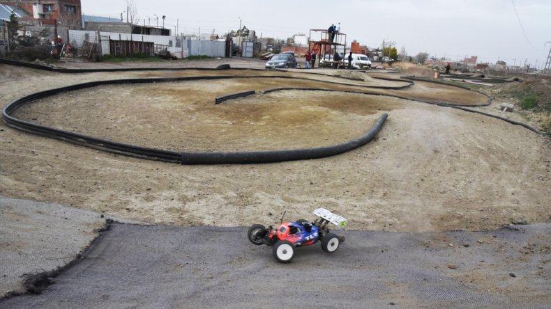 La pista de automodelismo quedará inaugurada de manera oficial esta tarde en el barrio Ciudadela.