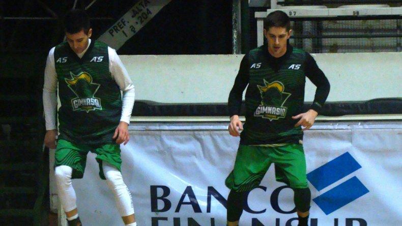 Leonel Schattmann y Nicolás de los Santos durante un entrenamiento que realizó Gimnasia en el comienzo de la pretemporada.