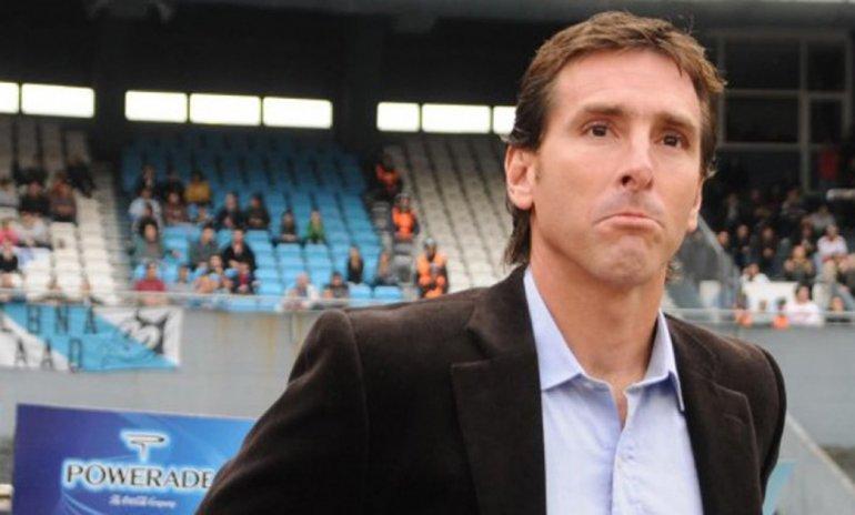 Claudio Ubeda dirigirá esta noche de manera interina a Racing que buscará seguir firme en la Copa Argentina.