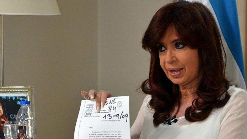 Cristina lleva a la Justica a Lanata y Clarín.