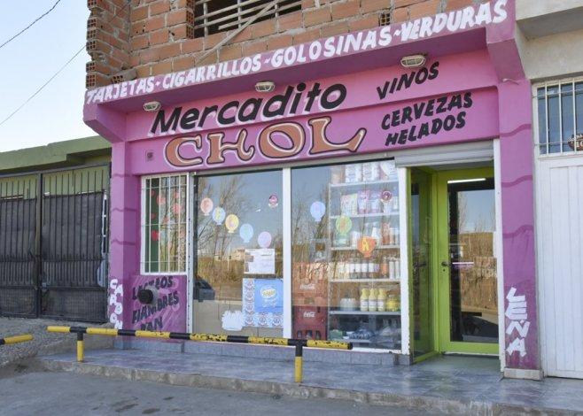 Los propietarios del mercado Chol fueron víctimas de un asalto a plena luz del día.