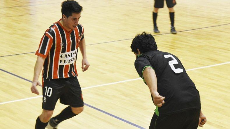 El torneo Clausura de futsal sigue  esta noche con cinco encuentros