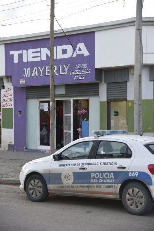 El robo armado se produjo en una tienda de la avenida Chile al 1.400.