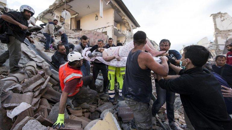 267 muertos y un sismo de 4,9 grados reavivó el miedo en Italia