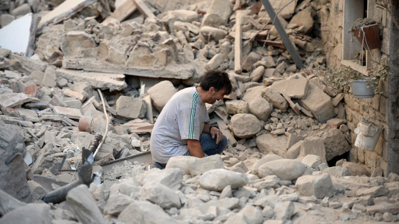 El sismo que sacudió a Italia en fotos: hay 38 muertos y decenas de heridos y desaparecidos