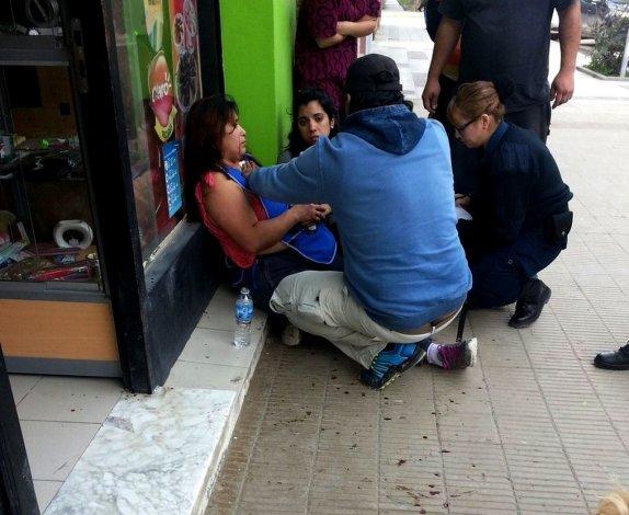Apuñalaron a una mujer en un intento de robo a un locutorio de la avenida Portugal