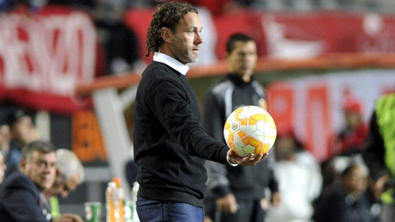 Gabriel Milito debutó con una derrota como DT de Independiente