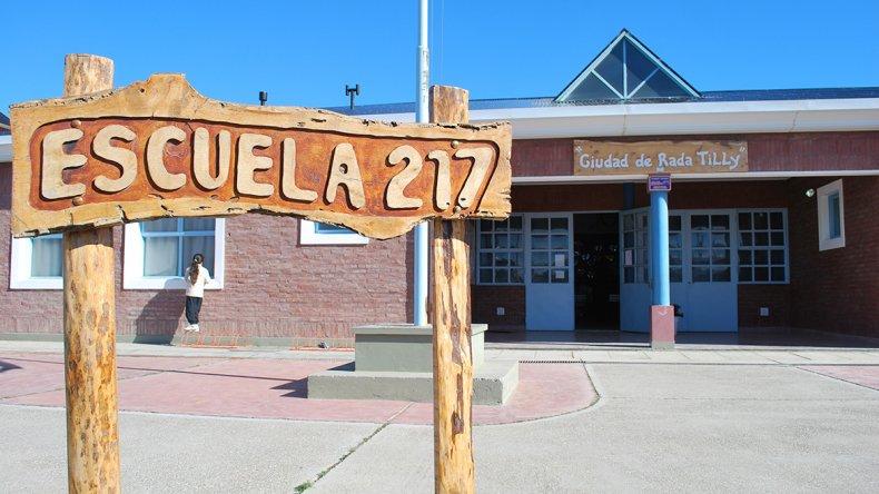 La Escuela 217 de Rada Tilly está más cerca de las obras que le posibilitarán ofrecer mayores comodidades a quienes allí concurren.