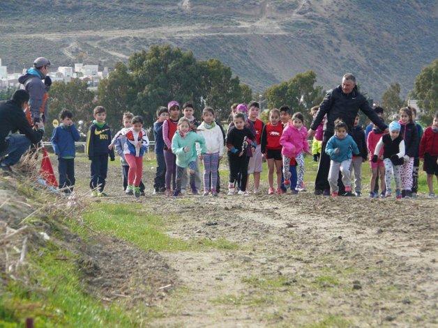 Los mini runners disfrutaron de  un encuentro atlético en su día
