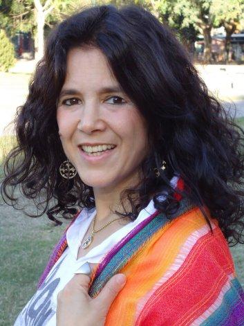 Adriana Piterbarg plantea que el bullying durante la edad escolar es el germen de otros tipos de violencia durante la edad adulta.
