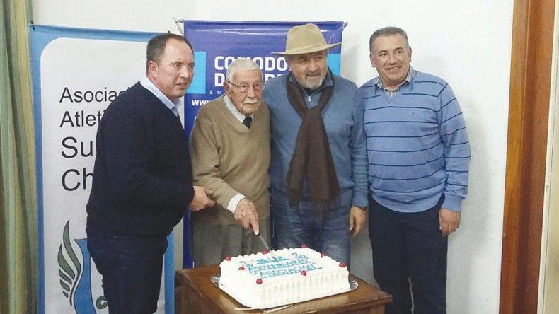 Funcionarios y referentes del atletismo celebraron 7 años de vida de la Asociación.