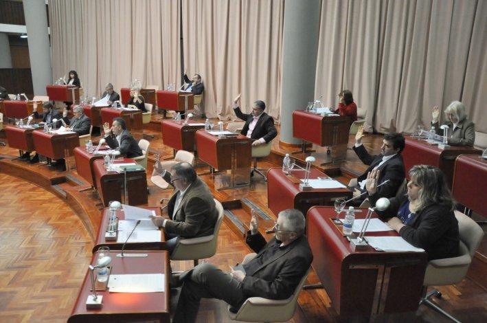 Diputados convocaron a los ministros de Educación y Gobierno