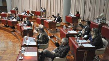 diputados convocaron a los ministros de educacion y gobierno