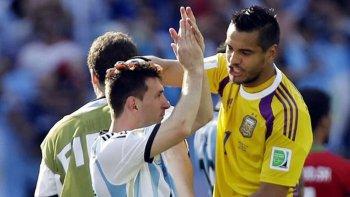 Romero: es mentira que juegan los amigos de Messi