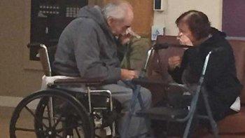 llevan 62 anos de matrimonio y los obligaron a separarse