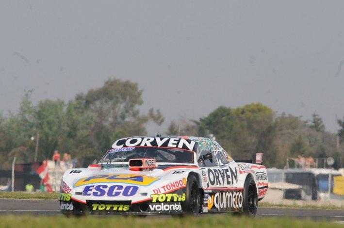 El Dodge de Marcos Angelini que ayer dominó la primera clasificación del TC en Paraná.