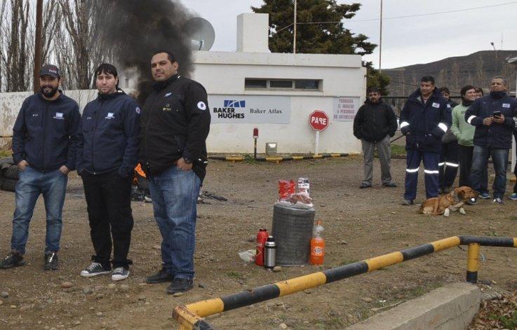 Los trabajadores de Baker Hughes tenían previsto levantar el bloqueo a las bases de Cañadón Seco y Las Heras al promediar la tarde de ayer.