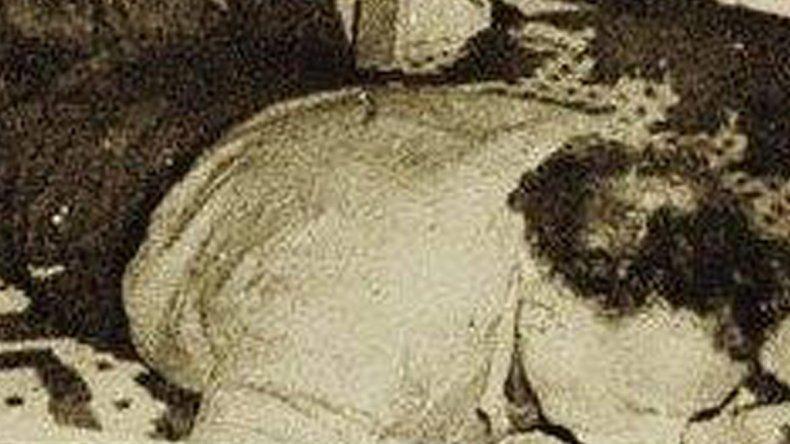 Ayudada por su amante, mataron a su esposo y lo enterraron en el patio
