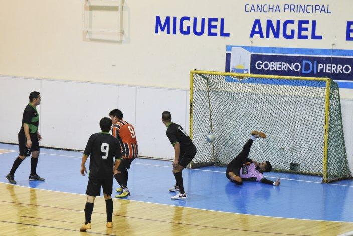 El fútbol de salón mayor continuará esta tarde con el desarrollo del torneo Clausura.