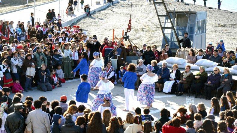 Hoy se realiza el tradicional desfile  del Inmigrante Pionero Patagónico