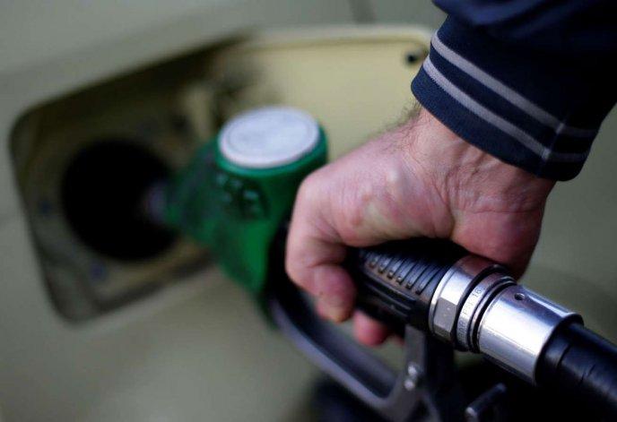 En noviembre subirían las naftas un 8 por ciento