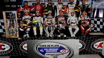 Los doce pilotos que se clasificaron para disputar la Copa de Plata del TC Pista.