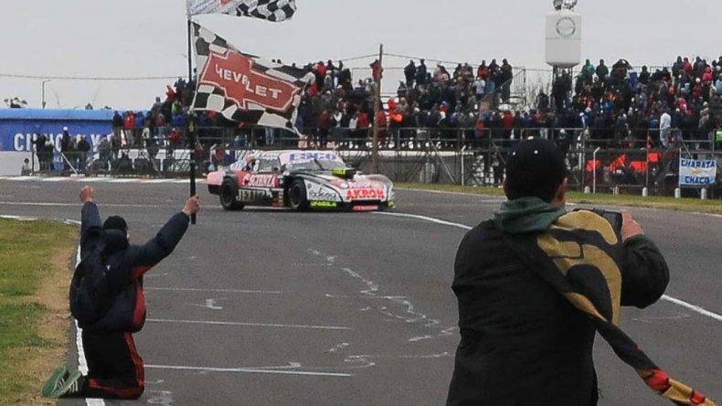 Guillermo Ortelli se quedó con la última fecha de la Etapa Regular del Turismo Carretera que se corrió en Paraná.