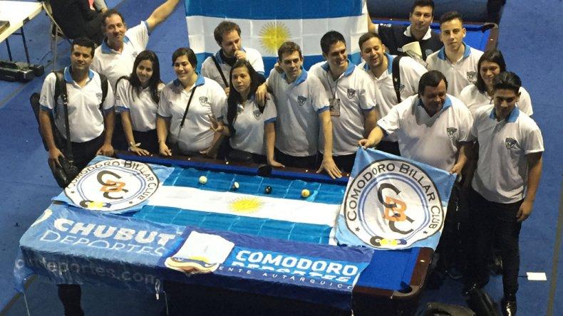 La delegación comodorense vivió una gran experiencia en el Panamericano de pool.