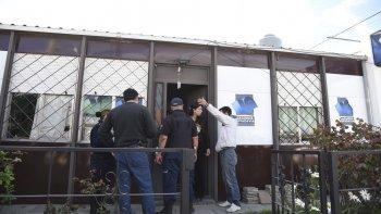 dos delincuentes armados robaron una aseguradora